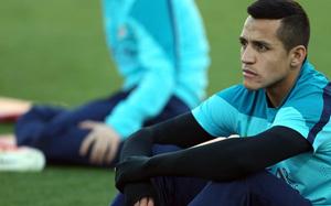 Alexis nie ma porozumienia z Juve ani z żadnym innym klubem