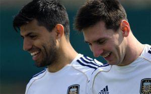 Ojciec Agüero: Kun byłby szczęśliwy z transferu