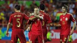 Hiszpania wygrywa, Iniesta strzela, Deulofeu debiutuje