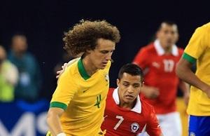 Song lub Alexis włączeni do transferu Davida Luiza