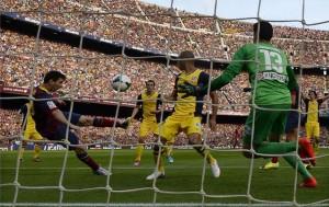 Czy gol Messiego powinien zostać uznany?