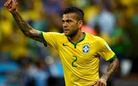 Alves: Bycie kapitanem Barçy byłoby zaszczytem