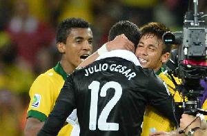 Julio César: Neymar jest lepszy niż Balotelli