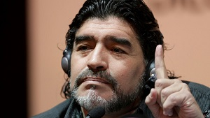 Maradona: Jeśli Messi nie atakuje, nie wstajesz z krzesła