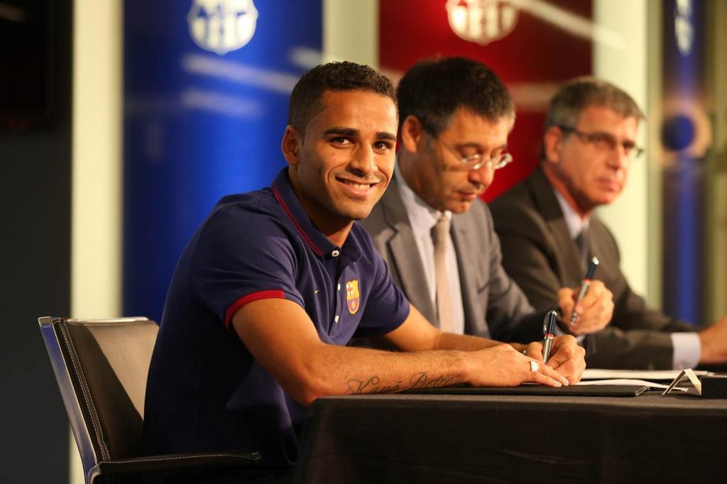 Douglas Pereira podpisał kontrakt!