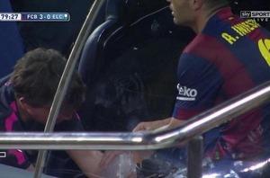 Iniesta zakończył mecz z urazem