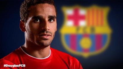 OFICJALNIE: Douglas piłkarzem FC Barcelony!
