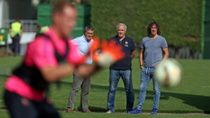 Puyol odwiedził zawodników na treningu