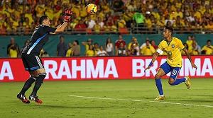 Neymar błyszczy na boisku w roli kapitana