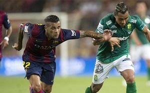 Liverpool i Manchester United chcą Alvesa