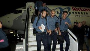 Rakitić, Adriano i Suárez nie wrócili z zespołem