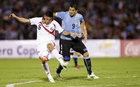 Suárez zdobywa bramkę w meczu z Kostaryką