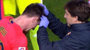 Messi ukarany kartką za to, że został uderzony butelką