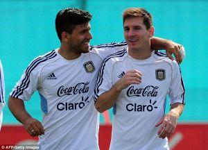 Agüero: Postaram się przekonać Messiego do transferu