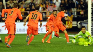 Busquets ratuje wynik: Valencia CF – FC Barcelona (0:1)