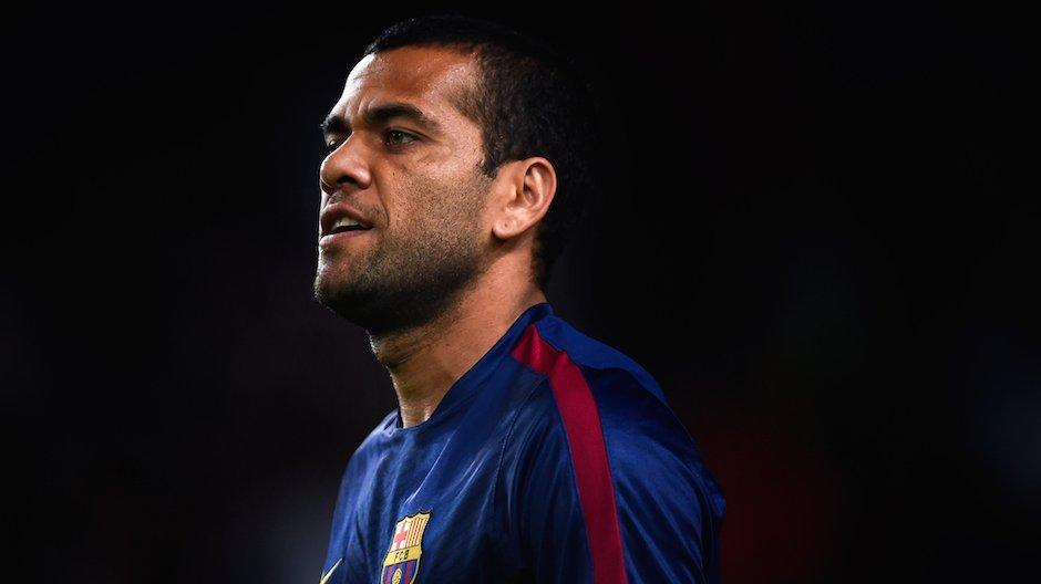 Alves samotnie trenował po meczu z Elche