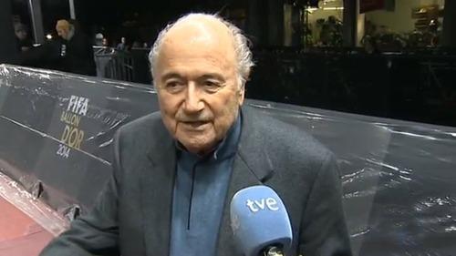 Blatter: Chcę z Barçą znaleźć rozwiązanie