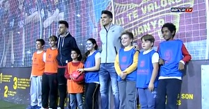 Bartra i Munir odwiedzili stoisko Fundacji podczas Festiwalu Młodzieży