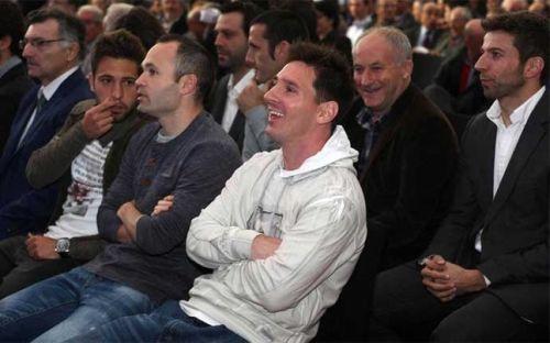 Xavi, Iniesta i Busquets spotkają się z Messim