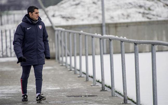 Valverde: Nie możemy bronić się przez 90 minut