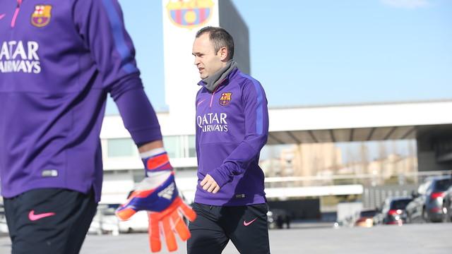 Iniesta trenował z drużyną