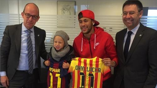 Neymar i jego syn zostali członkami Barcelony