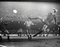 Cruyff - poczytaj o historii FC Barcelona
