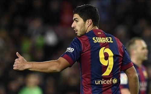 Okrzyki 'Suárez, Suárez' na Camp Nou