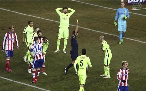 Gil Manzano arbitrem meczu Barça-Rayo