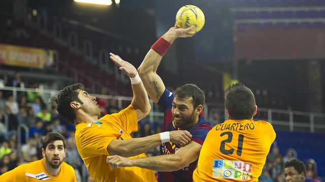 FC Barcelona-BM Benidorm: Lider nie zwalnia tempa (41-25)