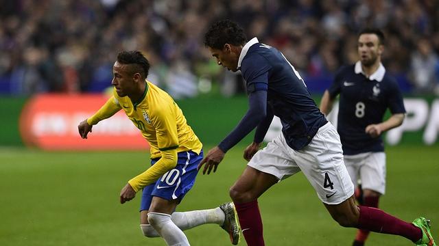 Bramki Neymara i Munira dają swoim drużynom zwycięstwo