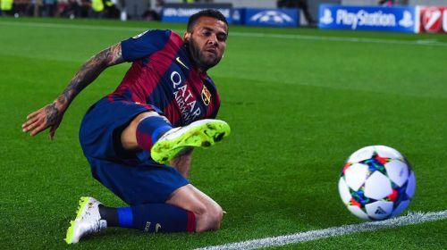 Alves: Jestem szczęśliwy w Barçy