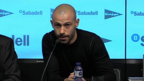 Mascherano: Chciałbym, by Alves został