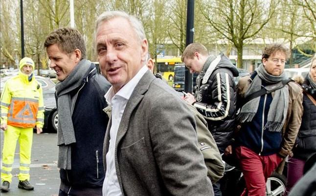 Cruyff: W Barçy każdy chce pomagać przy zdobyciu bramki