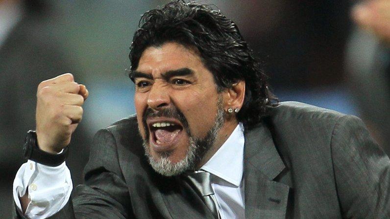 Maradona: Najlepszy zawodnik na świecie w reprezentacji nie może dotknąć piłki