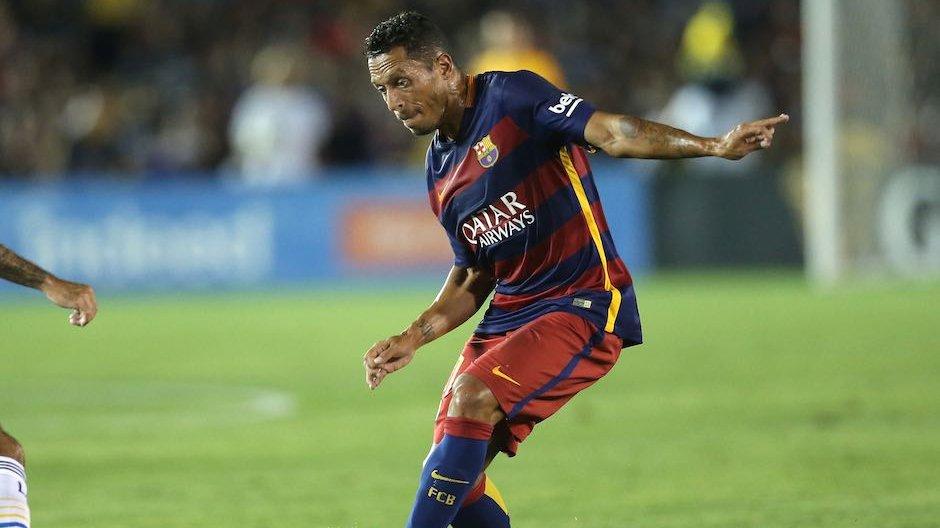 Adriano może przedłużyć kontrakt do 2018 roku