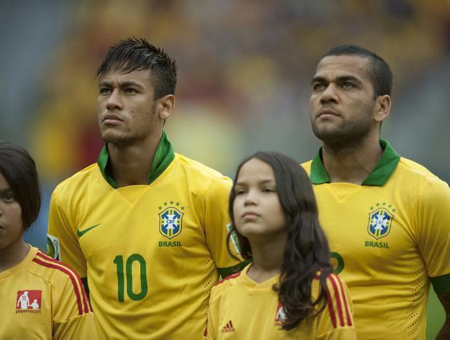 Neymar i Alves z powołaniami do reprezentacji