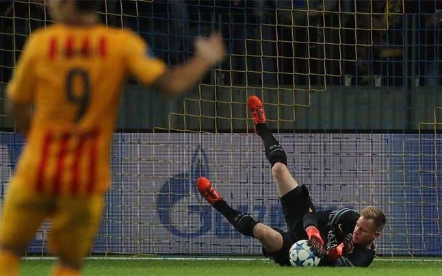 Pierwszy mecz ter Stegena w sezonie bez wpuszczonej bramki