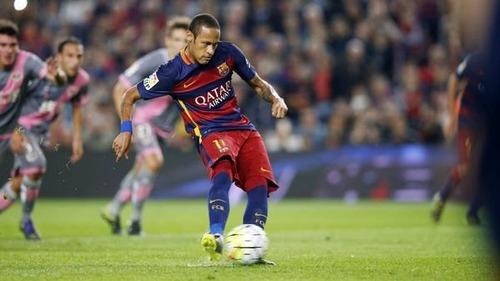 Neymar pokonuje Rayo. FC Barcelona – Rayo Vallecano 5:2