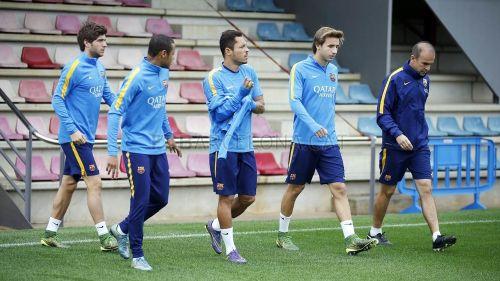 Piqué, Alba, Busquets i Bartra wrócili do treningów