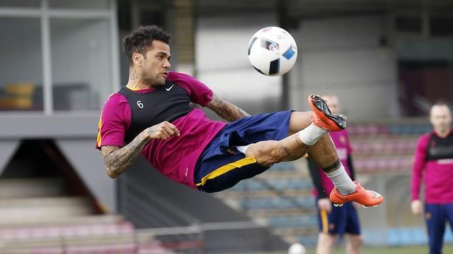 Dani Alves na treningu