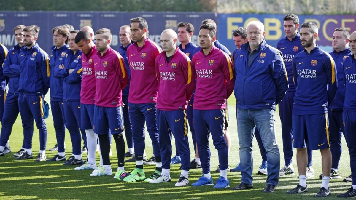 Piłkarze uczcili minutą ciszy pamięć Cruyffa