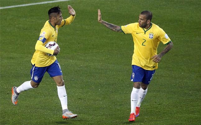Neymar i Dani Alves w reprezentacji Brazylii