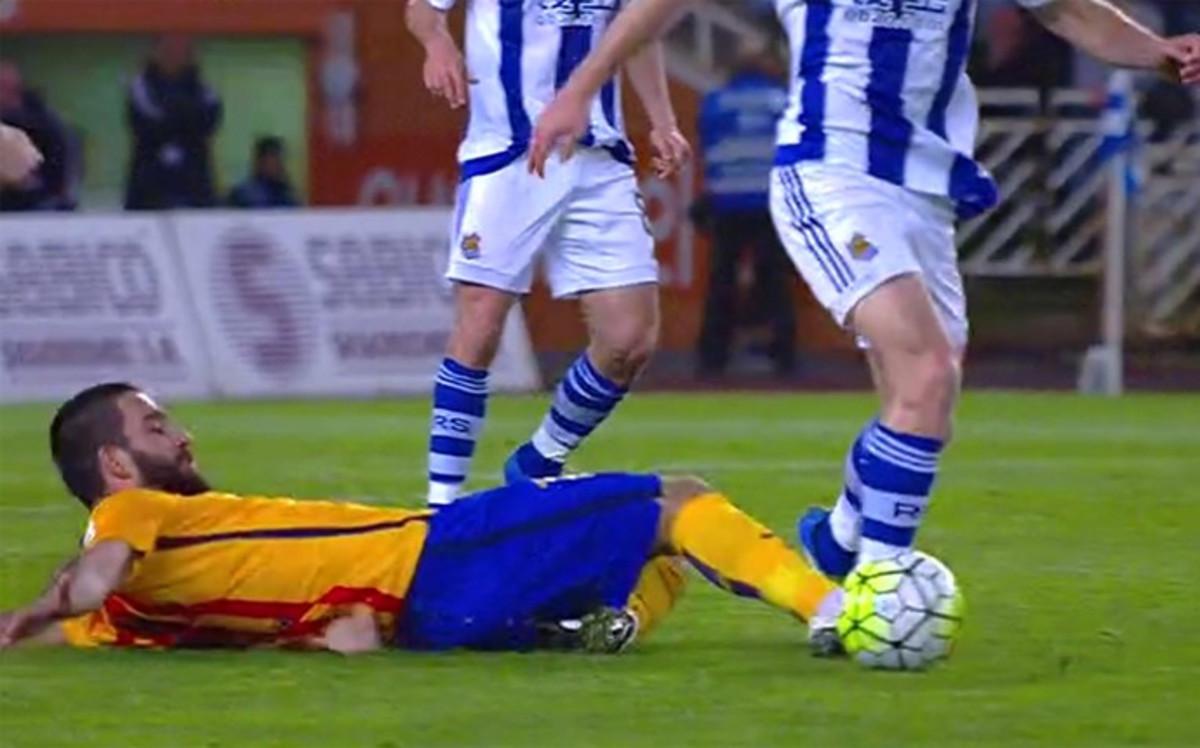 Arda Turan nie zagra w meczu z Valencią