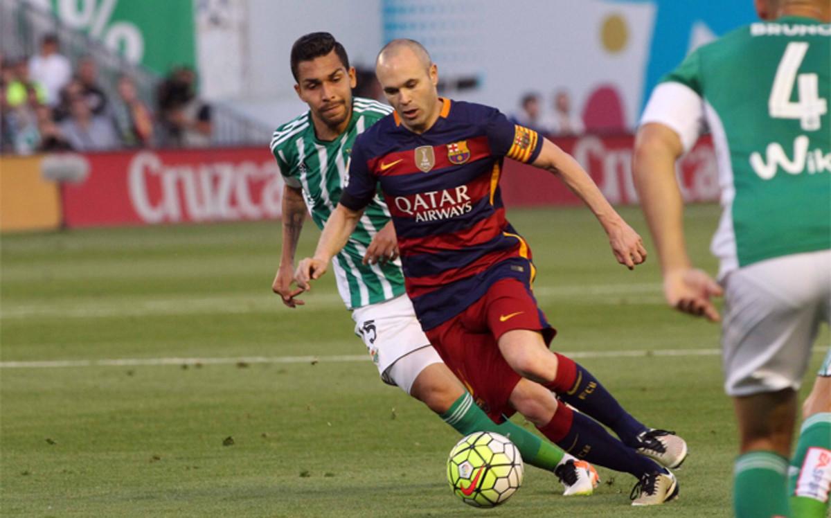 Iniesta rozegrał tyle spotkań w lidze co Valdés