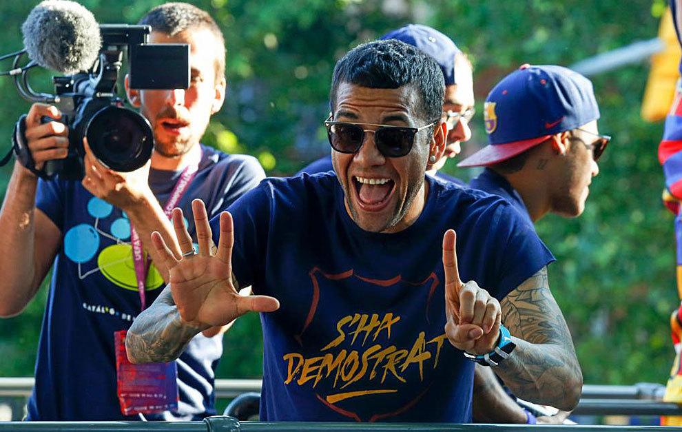 Dani Alves: Zwycięska Barcelona musi być irytująca