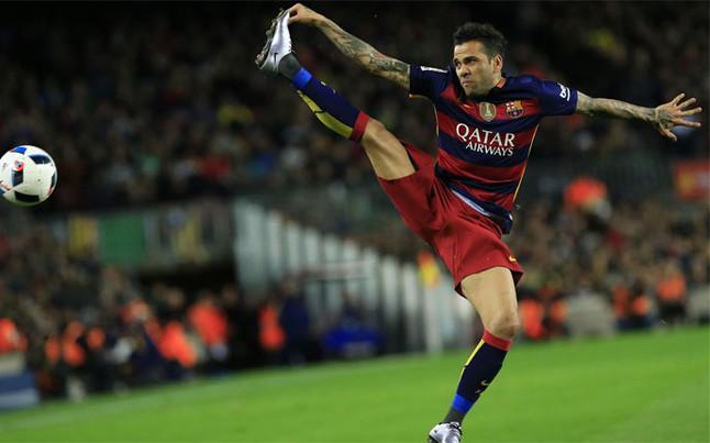 Dani Alves bliski odejścia do Juventusu