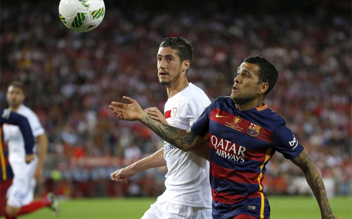 Dyrektor Juventusu potwierdza kontakty z Alvesem