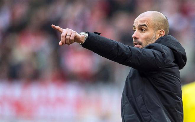 """Bartomeu nie boi się """"transferowego nalotu"""" Guardioli"""