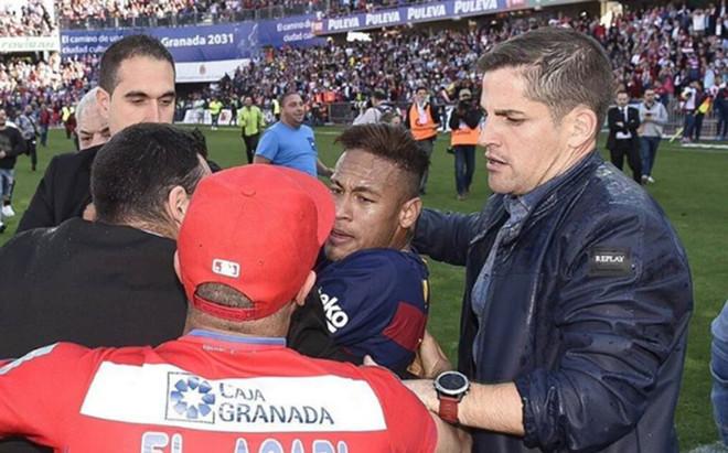 Ronaldo: Sądzę, że Neymar zostanie w Barcelonie